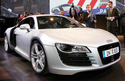 Photo de supercar Audi R8: présentation au public, exhibitions